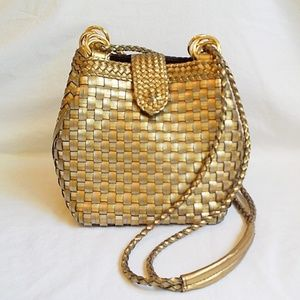 VINTAGE Warren Reed Gold/Silver Woven Bucket Bag